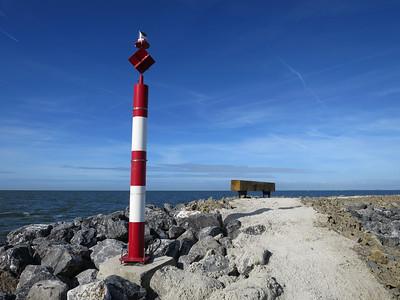 Afstand tot Enkhuizen 16 km, Hoorn 22 km en Lelystad 12 km varen