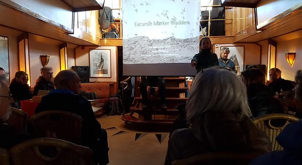 Een presentatie van Debby Doodeman over de aanleg van de eilanden en ontstaan van nieuwe natuur