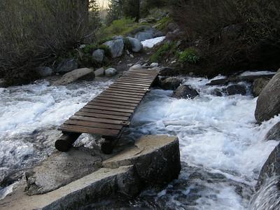 Bridge over stream near Tufa Falls on Eagle Lake trail.
