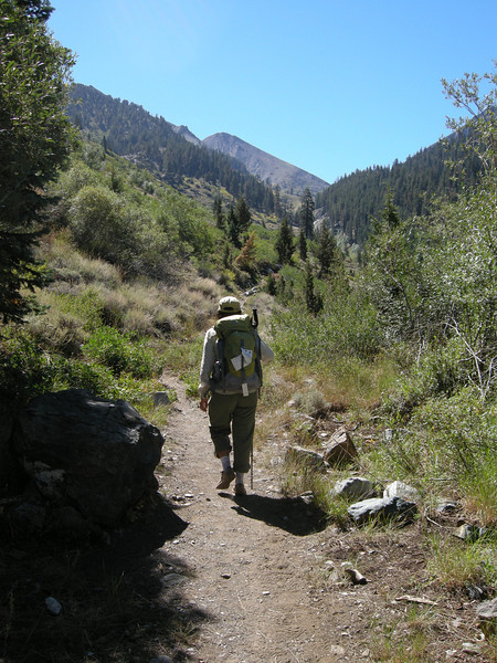 Setting out late-season to do the loop from Mineral King south over Farewell Gap into the drainage of the Little Kern, up to Silver Lake, over Shotgun Pass, down into Rattlesnake Creek Canyon, up over Farewell Gap, and back to Mineral King.