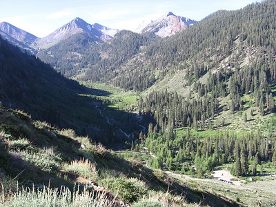 Trailhead parking lot is at lower right; upper end of Mineral King valley extends to the south towards Farewell Gap.