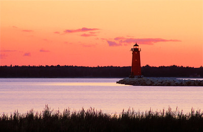 sunset-manistique-lighthouse_2498653279_o