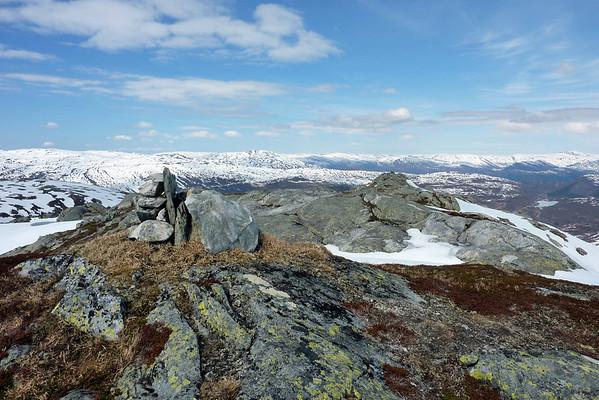 Utsikt frå Sveindalsnuten laurdag 15.mai 2010