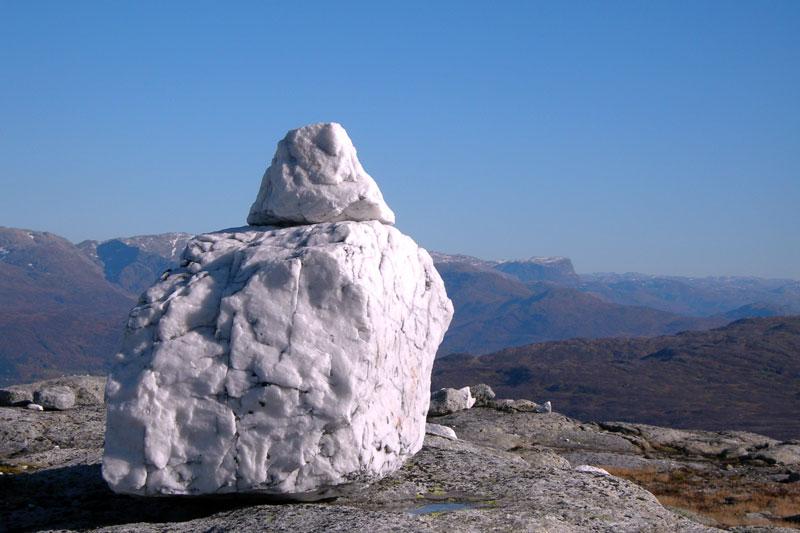 """White stone on montain """"Gråsida"""""""