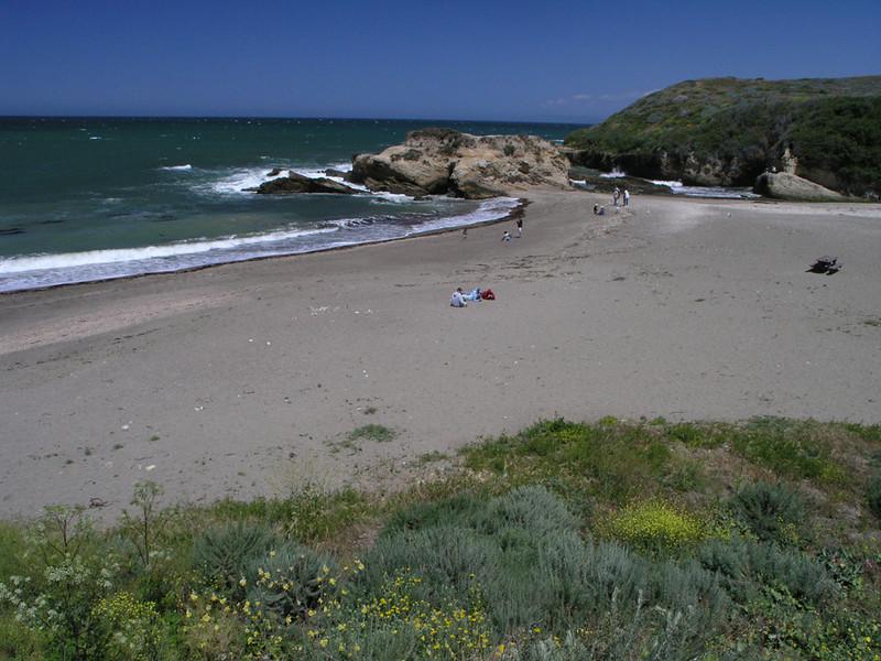 Sandy beach of Montana de Oro