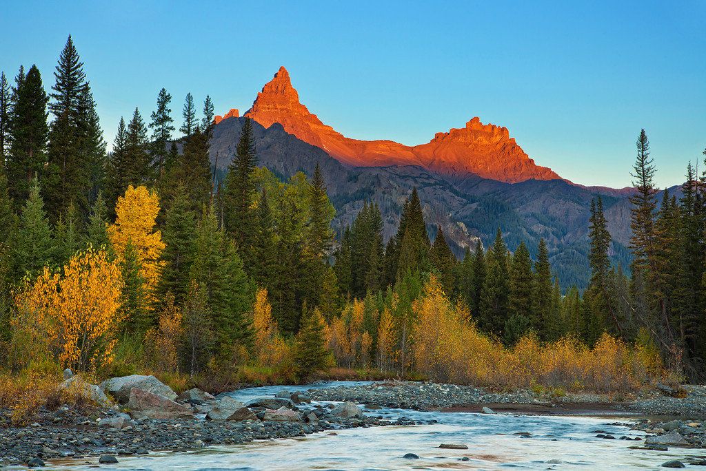 Pilot and Index Peaks at Sunrise, Beartooth Mountains, WY<br /> Clarks Fork River