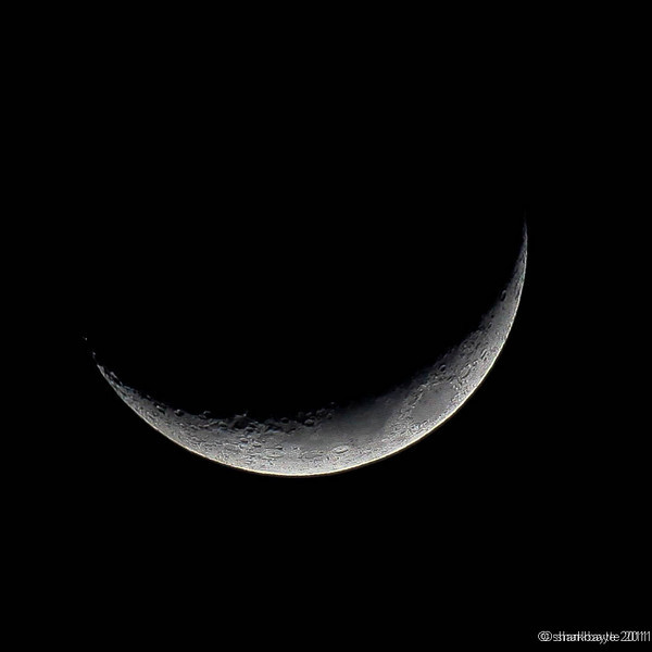 March 9, 2011- Waxing Crescent Moon. Four day old moon, 15% full. Day 68 #365Project @sharkbayte
