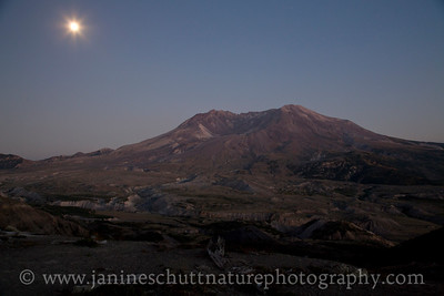 View of Mt. St. Helens at dusk from the Loowit Viewpoint near Johnston Ridge.  Photo taken in September 2014.