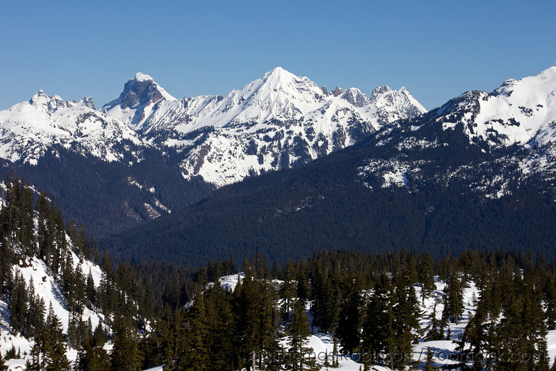 Tomyhoi Peak (far left), American Border Peak, and Mt. Larrabee to the Pleaiades East jut into the sky as seen from near Artist Point.