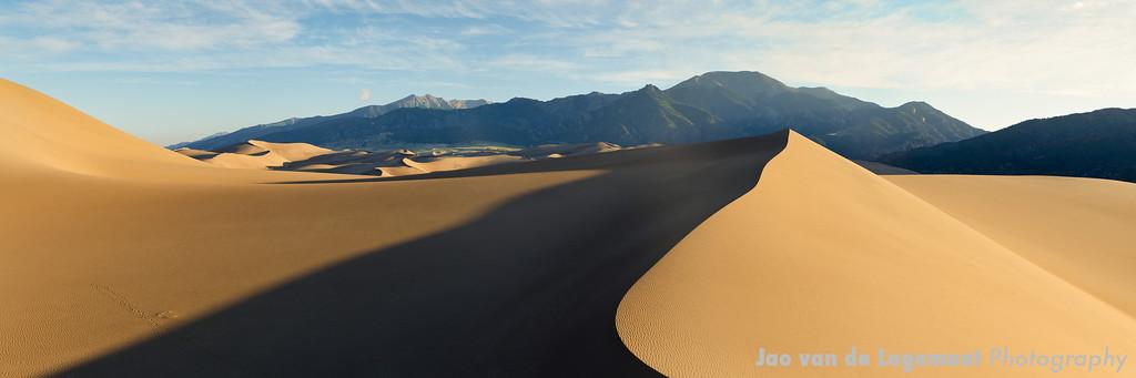 Swipe dune sunrise