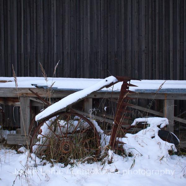 Ensilumi Koverossa.  First snow in Kovero