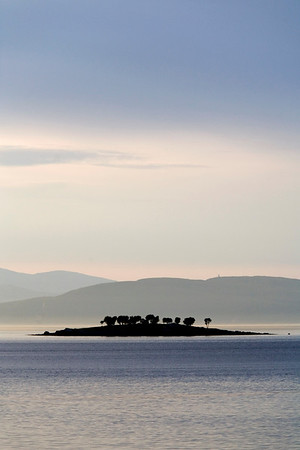 No island in the Pacific ... but an island between Narvik and Ballangen