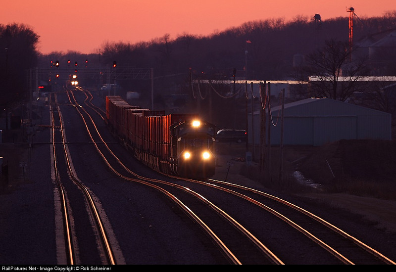 Just after sunset as a short intermodal climbs the hill into LaFox, IL.