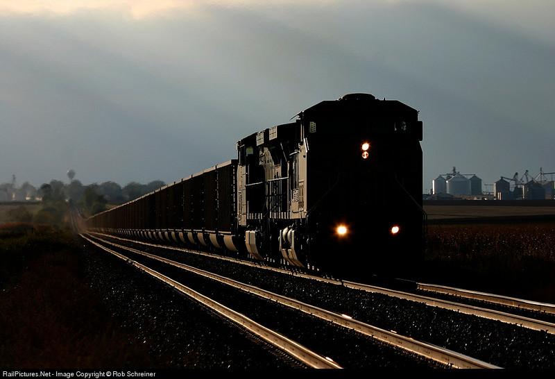A loaded Union Pacific coal train climbs out of Creston, IL.