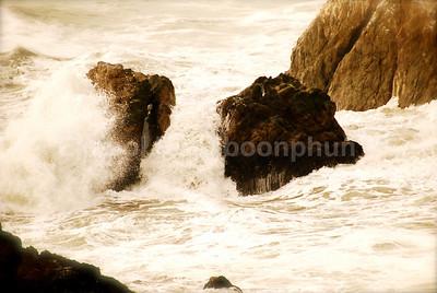 Santa Cruz - copyright © 2007 Ekapol Rojpiboonphun