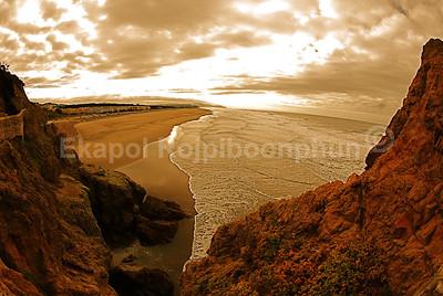 Santa Cruz, California  copyright © 2007 Ekapol Rojpiboonphun