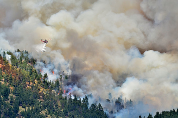 Helicopter dropping water on the flagstaff fire 2012