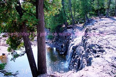 lowerlevelgooseberryfalls,sept2003