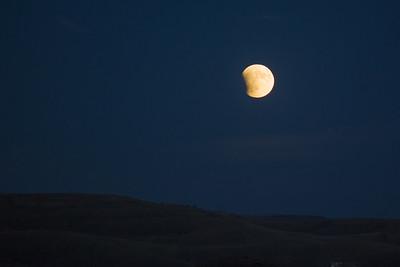 Super-Moon (Partial Eclipse)