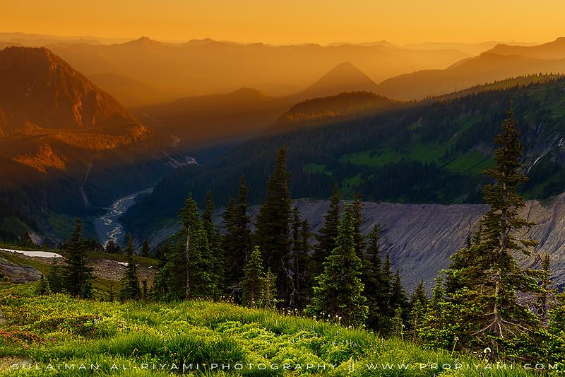 Mount Rainier NP during sunset, Washington, USA