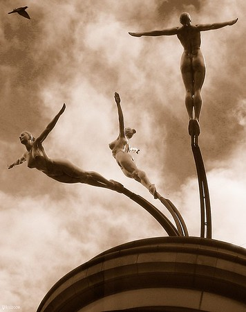 London divers statue in sepia