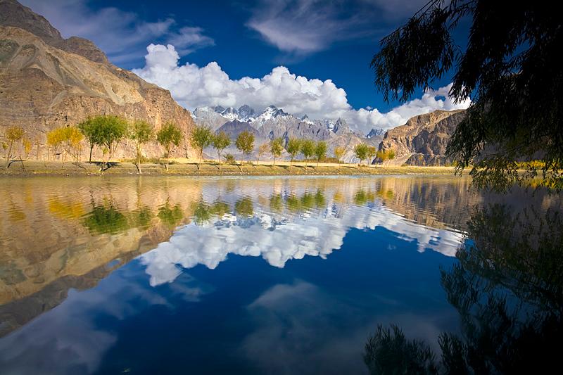 Khaplu, Pakistan.Canon EOS 5D + 17-40mm f/4L, October 2009.