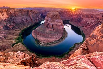 Horse shoe bend sunset, Arizona, USA