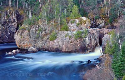 Aguasabon River Blue Waters Flowing