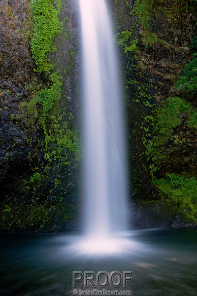 Columbia River Gorge's Horsetail Falls