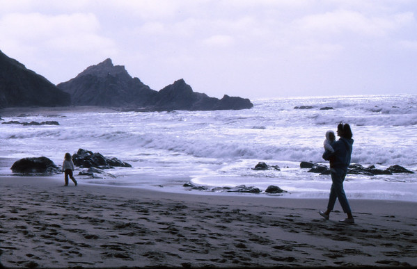 5*Sat, Mar 30, 1968<br /> *People: SLR<br /> Subject: beach<br /> *Place: Pt Reyes<br /> Activity: picnic<br /> Comments: