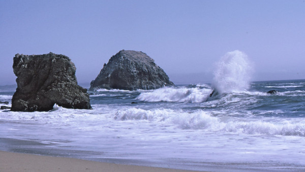 4*Sat, Apr 27, 1968<br /> *People:<br /> Subject: wave crashing<br /> *Place: pt reyes, mcclures beach<br /> Activity: <br /> Comments: