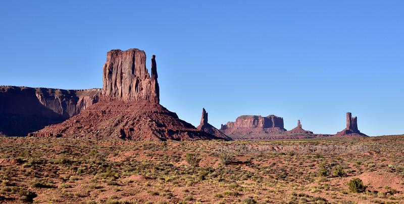 AZ-MVNP, Monument Valley, West Mitten Butte. Arizona/Utah. #105.097.