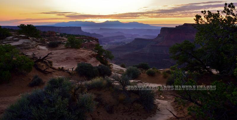 UT-CNP, Sunrise. Canyonlands Utah. #916.479.