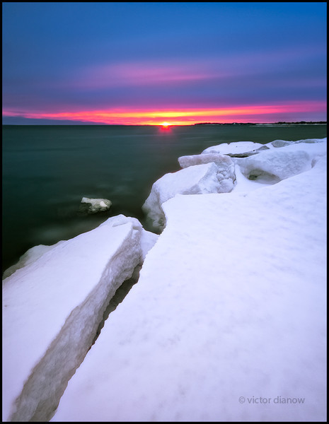 <h3>Lake Erie. Niagara Region, Ontario.</h3> <h5>Canon 40D, Sigma 10-20 at 11mm,<br> Lee Big Stopper 76.0s @ f/6.3.</h5>