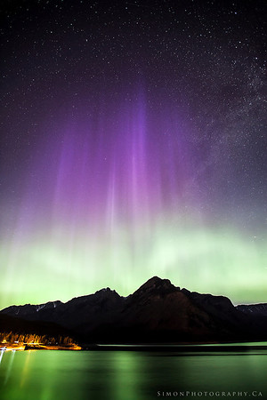Northern lights over Minnewanka
