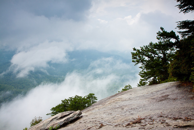 The rain storm rolls back in on Looking Glass Rock.