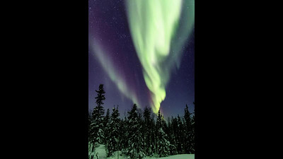 Timelapse of aurora in Yellowknife, NWT