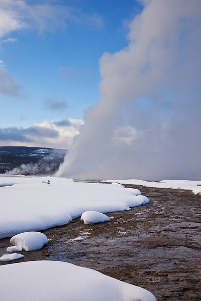 Daisy Geyser erupting 2, Old Faithful Geyser Basin