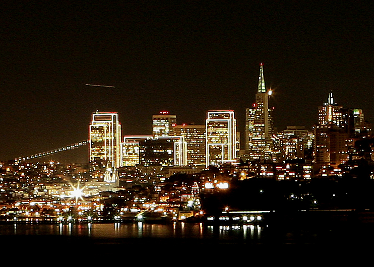 San Francisco dressed for the holidays, our favorite place in the U.S.