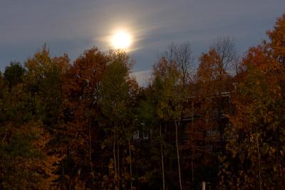 Moon setting as the sun rises.