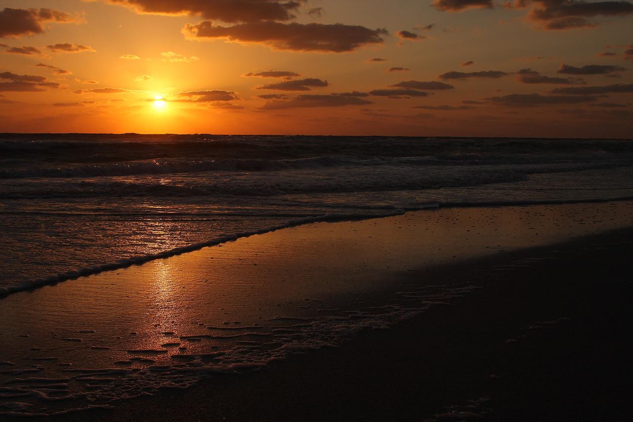 IMG4_26089 Sunset at Holmes beach DPP