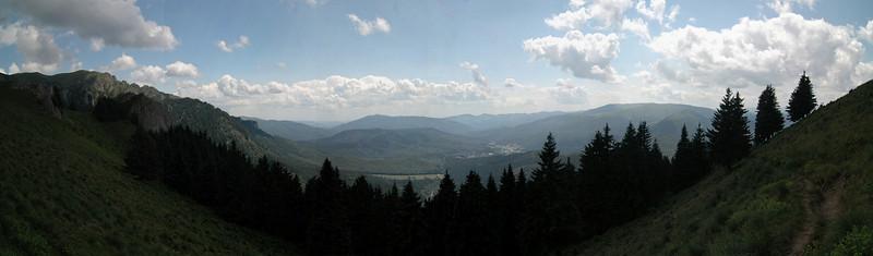 Panorama cu vedere spre Cheia, Muntele Rosu