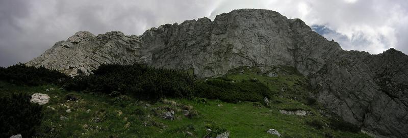 Panorama, Poiana INchisa, vedere de la izvor. Parcul National Piatra Craiului acelasi 2005-ish