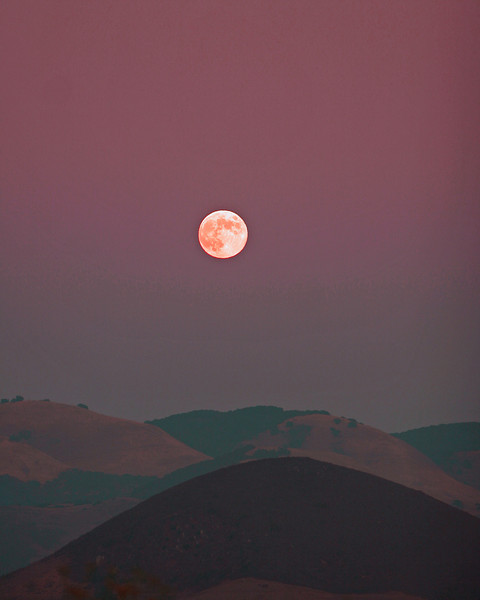 Moon rise over San Luis Obispo