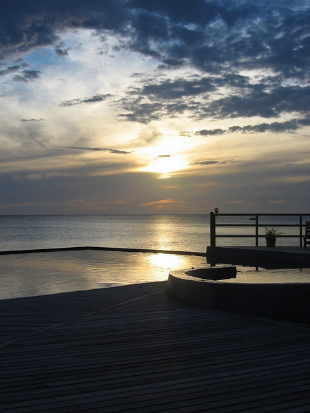 Coucher de soleil à l'hôtel Kia Ora - Atoll de Rangiroa - Polynésie Française