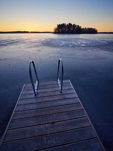 Pyhajarvi sunrise no swimmers