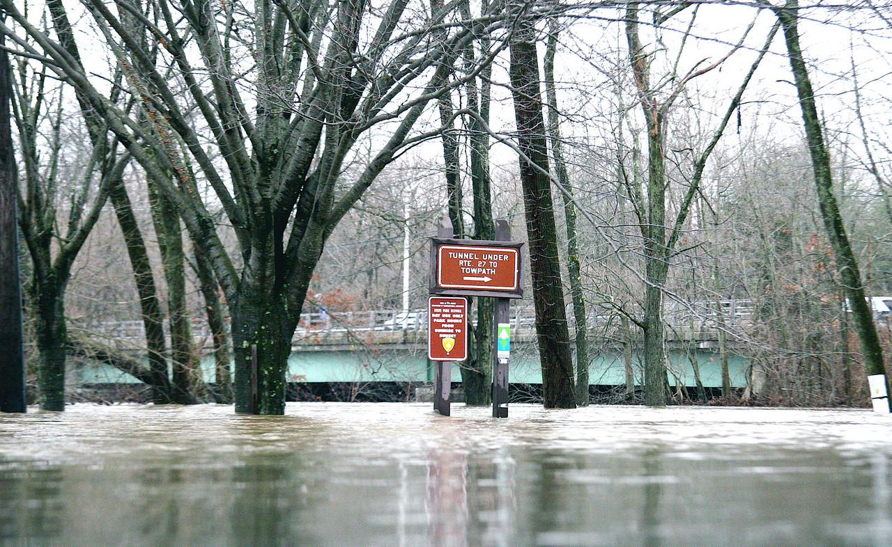 Carnegie Lake flooding
