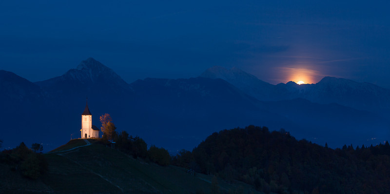 Moonrise over Jamnik