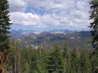 Looking east towards Sugarloaf Valley in foreground and further to peaks east of Roaring River along the Sphinx Crest and Great Western Divide.