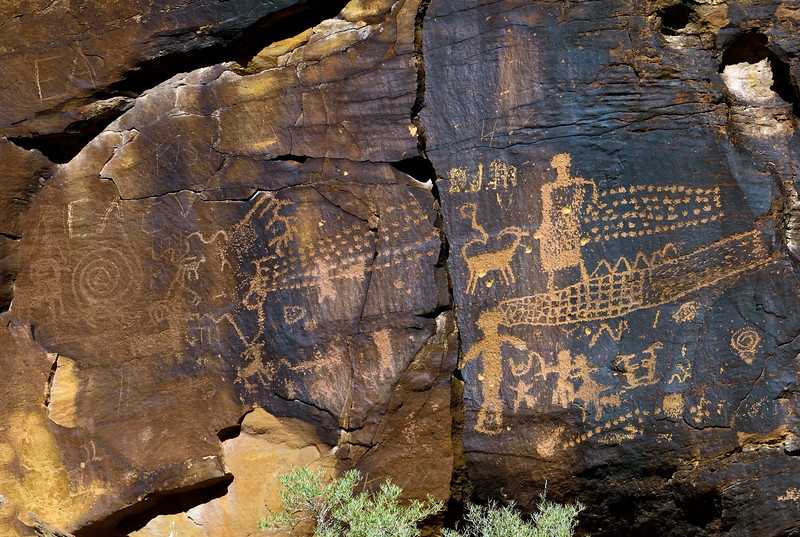 UT-NMC2017.10.7pm1.43#409- Petroglyphs. Nine Mile Canyon Utah.